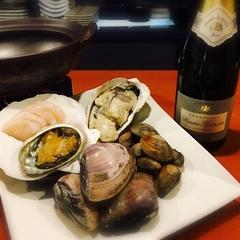 特別な日に!あわびステーキがついた貝料理を存分に堪能できる全11品。