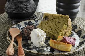 厳選素材を使ってふんわり仕上げたケーキと紅茶がベストマッチ『シフォンケーキセット』