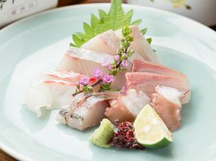 地元食材、綾川町の『山田米』や瀬戸内の海の幸を仕入れ