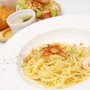 厚切りポークのステーキを有機生姜のソースで仕上げました。豚肉の生姜焼きがお好きな方にもおススメです。