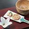 レトロな雰囲気にぴったりの『飛騨の駄菓子と桜茶のセット』