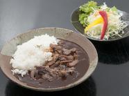 じっくりと煮込んだデミグラスソースが味わい深い『懐かしい飛騨牛ハヤシライス』