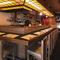花街の風情漂う三業通りにある、日本酒通に知られる隠れ家