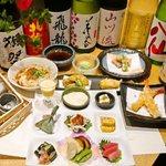 【日本酒飲み放題 天ぷら竹の庵コース】 料理長の吟味された食材と研究を重ねた天ぷら、前菜盛り9種類以上に日本酒10種類、プレミアムモルツが飲み放題がついた大変お得なコース。