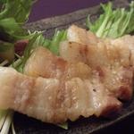 岩中豚を使用した料理や天ぷらの他、豆富、御造りなど旬の物が食べられる、豪華な会席料理です。大切なご接待や大切な人とのご会食で十分満足いただけます。
