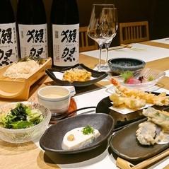 鮮魚や牛肉を始め旬の食材を使用した天ぷらなどの料理の数々がお楽しみ頂けます。