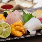毎朝届く旬の鮮魚、料理長の目利きが光る『おさしみ各種』