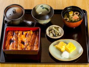 『あなご重のお膳』(だし巻き玉子・味噌汁・お出汁つき)