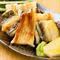 自身で仕入れる魚介と地物の野菜