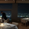 煌めく光の絶景、長崎の夜が一望できる贅沢な空間のレストラン