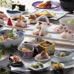 旬の魚を厳選した鮨だけでなく、先付けからデザートまでここでしか味わえない独創的な料理が楽しめるコース。