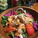 国産鶏ムネ肉のグリルチキンサラダ