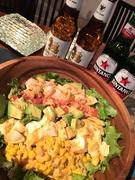このサラダはミスターコブが豊かな食材をふんだんに使ったサラダを考案したところが始まり ビベルーデのハワイアンコブサラダをどうぞ