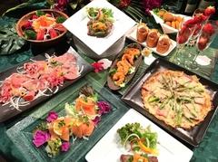 大人気のビベルーデコース 特製のエビマヨ、ジューシーなステーキ お客様から多くご支持をいただいています