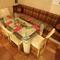 6人用ソファを2人で独占。隠れ家空間のイタリアンに恋人も満足