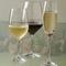 店長セレクトのグラスやワインを。そのほか、充実のアルコールも