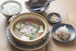 伝統と斬新さが鍋の中でひとつになった『魚汁定食』