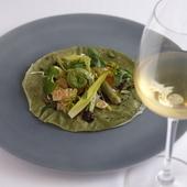 『新緑』という名の野菜のみで構成した、北京ダックの精進料理版