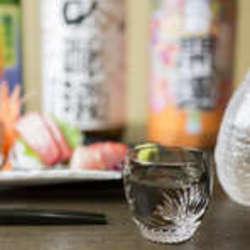 飲み放題にコース料理6品が付いて10,000円(税・サ別)のセットです