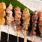 鮮度や肉質こだわり、厳選された地元で生産される鶏肉や豚肉