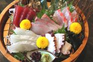 沼津港から届く旬魚を彩り鮮やかに楽しめる『おすすめ五点盛り』