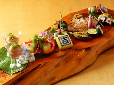 旬の食材を厳選した、充実の懐石料理『桜』