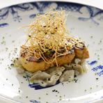 和と洋が融合した前菜『フォアグラのグリエ 牛蒡のリゾット』
