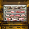 店内に入るとこだわりお肉のショーケースがどーんっ!