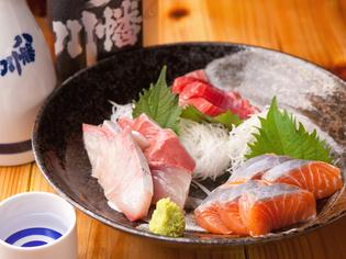新鮮な素材でつくったお酒に良く合う『刺身の三種盛り』