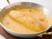 フランスの大型淡水魚(和名カワカマス)をすり身にしてはんぺん状にしたもの。ザリガニのクリームソースで