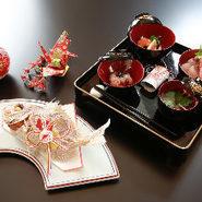 お子様の100日を祝うお食い初め膳です。 鯛の姿焼き付き