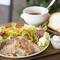 たっぷりの野菜とお肉の旨味を味わえる『能登産豚と8種の野菜のサラ~ドランチ』