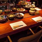 本日おすすめの食材でつくる「おふくろの味」を感じる小料理店