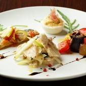 季節によって時々で変わる、前菜は常時10種類用意されています