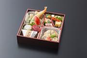 天然の鯛を使用しております。4名~6名様で召し上がれます。還暦祝い、古希祝い、米寿祝い 等にご利用いただき好評を頂いております。画像はイメージです。