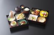 胡麻豆腐とは思えない、プリンのようななめらかな食感が人気の品。単品で欲しがる人もいるほどの1品です。