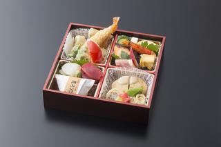 折詰弁当2000円+税