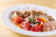 お肉の前菜の盛り合わせLサイズ