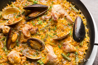 スペイン料理とワイン COCHINILLOの料理・店内の画像2