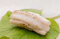 「煮詰め」と「塩」の二つの味を食べ比べ 熊本・天草の『穴子』