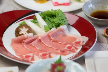 沖縄食材をたっぷり使った料理。新しい味わいに出会えます