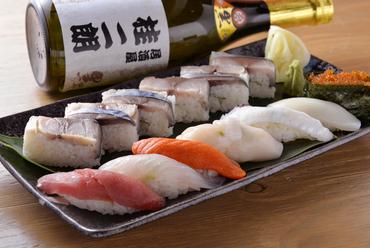 『サバの押し寿司&おまかせ握り寿司』は技術と鮮度の一皿