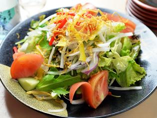 地場野菜や獲れたて果実。素材の味を活かします