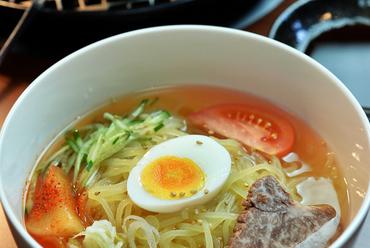 本場の味を再現! 甘味のある特製スープが味の決め手『盛岡風冷麺』