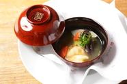 毎月楽しみにしているお客様が多い冷菜、季節の素材を盛り込んだ『パフェ仕立』