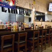 サラリーマンに人気のガッツリ定食とカウンター席