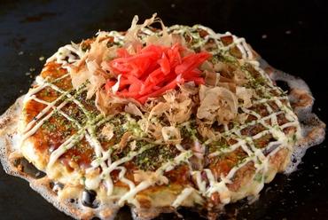 海鮮と豚肉の組み合わせで、奥深い味わいが魅力の『壱善デラックス玉』