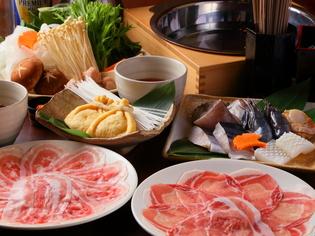 手間ひまかけて大事につくる『豚しゃぶ鍋』が看板料理
