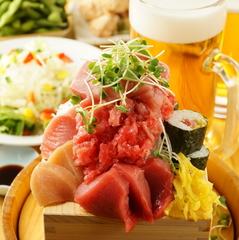和歌山漁港直送!紀州お殿サバと串本梅まだい・入りお刺身5種盛り合わせなど全9品。