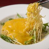 陽澄湖産のみそや卵もたっぷり入った『上海蟹の焼きそば』